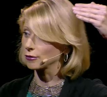 Amy cuddy close up2